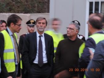Graziano-Delrio-con-ingegnere-Misiano-2